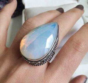 anillo piedra luna falso